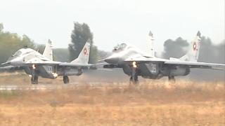 Наши МиГ-ове и F-15 на САЩ вече охраняват небето ни