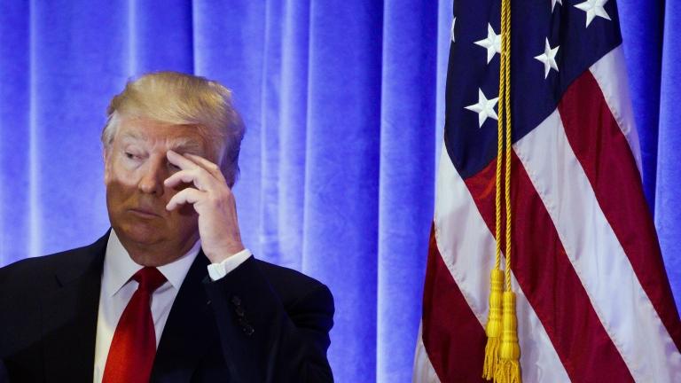 Шефът на разузнаването на САЩ се обадил на Тръмп да отрече руските компромати