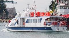 Градски транспорт по вода за варненци