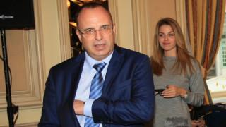 Порожанов свиква Съвета по животновъдство заради проблеми на млекопроизводители