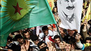 """Кюрдите обявяват """"сваляне на оръжието"""""""