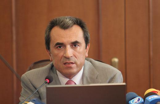 Чакат Орешарски да разреши внос на дарения за болници без ДДС