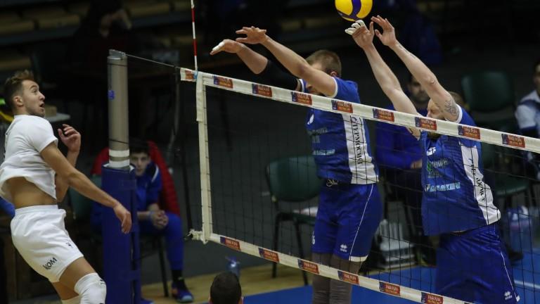 Волейболният отбор на Марек Юнион Ивкони (Дупница) започна с победа