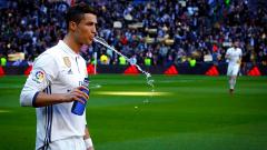 Роналдо не пада по гръб: С Меси сме най-великите!