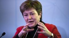 Няма да се променят заплатите след приемане на еврото, уверява Кристалина Георгиева