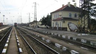 """Ръководител движение на гара """"Волуяк"""" отива на съд за катастрофа на жп прелез"""