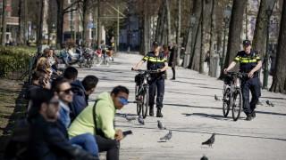Нидерландия удължава COVID блокадата поне до 28 април