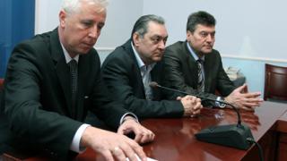Лекари и фармацевти обещаха спокойствие за новия здравен министър