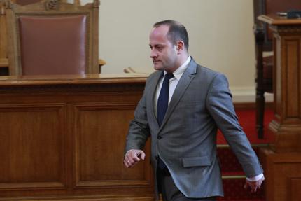 Радан Кънев скочи срещу вдигането на минималните осигурителни прагове