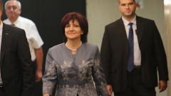 Караянчева: Готвим се за редовни, не за предсрочни избори