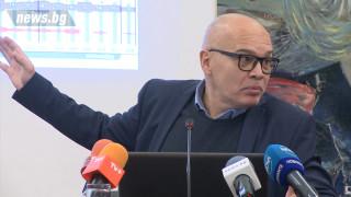 Тихомир Безлов: Партиите наваксват политическата година