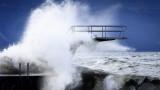 """Най-малко 6 души загинаха в бурята """"Киара"""", съобщава се за ранени"""