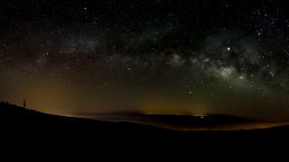 Древна галактика хвърля светлина за тъмната материя и галактическия канибализъм