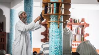 Франция се стреми към по-голямо влияние над джамиите, за да спре джихадистите