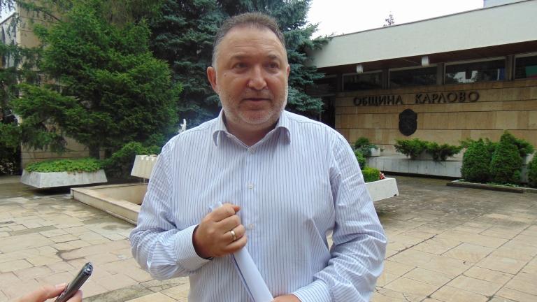 Кметът на Карлово Емил Кабаиванов се обяви против закриването на
