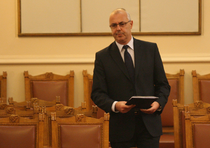 Вучков не бърза да мисли за оставката на главсека на МВР