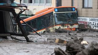 Смъртоносни свлачища в Япония, двама загинали и 20 изчезнали