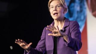 Съпартийци нападат остро фаворитката на демократите за президент на САЩ