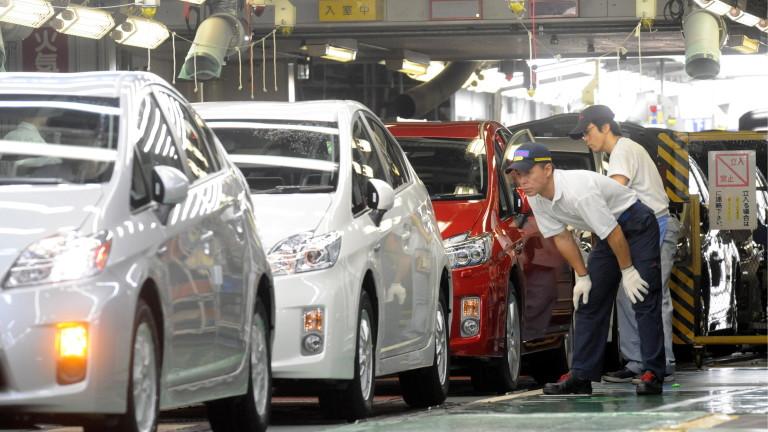 Япония иска да забрани продажбата на нови автомобили на бензин