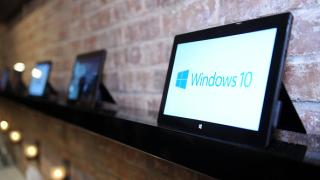 Най-после Windows 10 може и да стане най-използваната ОС в света