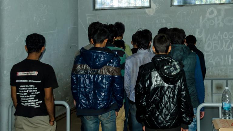 12 непълнолетни сред  33 нелегални мигранти край Созопол