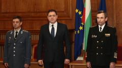 Славно и мъдро командване пожела Ненчев на новия началник на отбраната