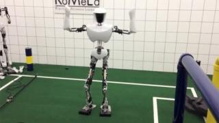 Уникално! Робот танцува Gangnam Style (ВИДЕО)