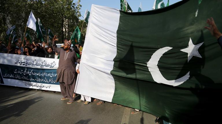 Пакистан призовава посланика на Индия заради въздушната атака в Кашмир,