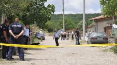 Двама са с опасност за живота след масов бой в Шейново