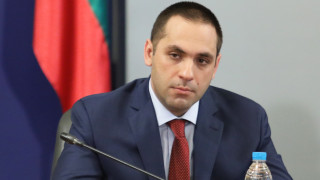Караниколов съветва да не се търси конфликт в правителството
