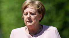 Бунт в ЕНП срещу Меркел, протести във Варна след смъртта на малката Радослава, картел при санирането…