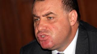 Министерства вкупом опровергават Дянков за заплатите си