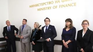 """Сменят и шефа на Агенция """"Митници"""" заради доклад на ОЛАФ"""