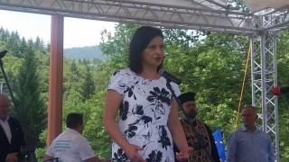 Дариткова: Експертизите на инвалидите ще се правят от лекари, не от НОИ