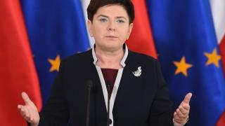 """Полският премиер отново """"скочи"""" на Макрон"""