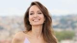 Какво става с личния живот на Анджелина Джоли