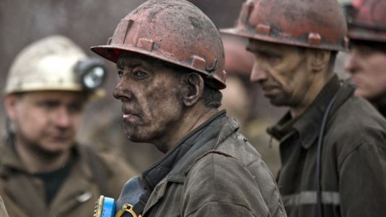 """Около 150 миньори се евакуират от руската диамантена мина """"Алроса"""""""