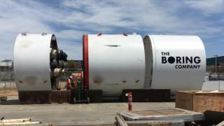 Boring на Мъск прокопа първия участък от готвения тунел под Лос Анджелис