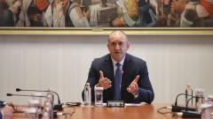 """Радев: България е """"за"""" равноправието на македонските българи"""