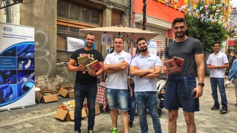 """Инициативата """"Кутия за книги"""", подкрепена от БТЛ Индъстрийз, събра средства за деца в неравностойно положение"""