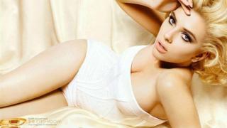 Скарлет Йохансон - с най-красива холивудска гръд