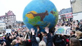 Протести на ученици в целия свят с искане за борба с климатичните промени