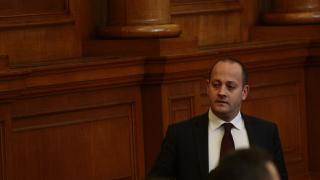 Захариева е пътят към предсрочните избори, убеден Радан Кънев
