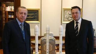 SpaceX изстрелва турски сателити