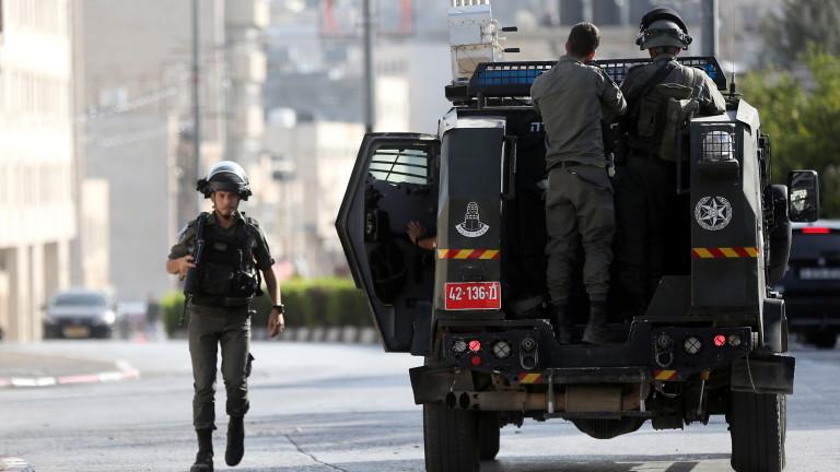 Представители на Израел и на палестинската групировка