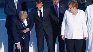 Макрон и Меркел попаднаха в нова Студена война, но тя не е тяхна и е технологична