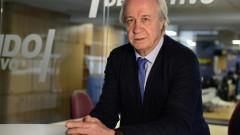 Карлес Тускетс временно бе назначен за президент на Барселона