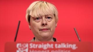 Високопоставен депутат от Лейбъристката партия се включва в борбата за лидерския пост