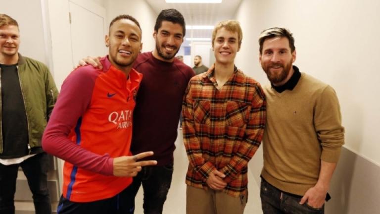 """Джъстин Бийбър направи тренировка с футболистите на """"Барселона"""""""
