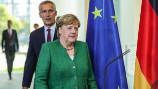 Меркел и Столтенберг са притеснени за ситуацията между Гърция и Турция